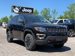 2020 Jeep Compass Trailhawk 4x4 – Leather Interior, Power Liftgate, Navigation, Sa