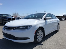 2016 Chrysler 200 LX **A/C, Cruise, Prise USB/AUX + WOW** Sedan
