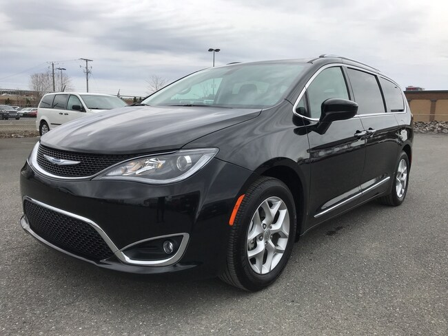 2018 Chrysler Pacifica Touring-L Plus **DVD, Toit Pano, Cuir + WOW**