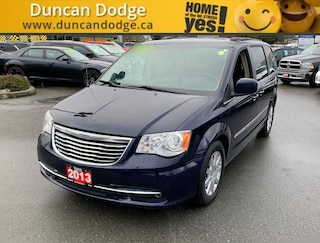 2013 Chrysler Town & Country Touring *NAVIGATION* Minivan/Van
