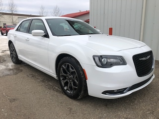2018 Chrysler 300 S - U-Connect Car