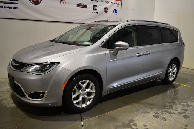 2018 Chrysler Pacifica Touring-L Plus+google et Apple car Play& passagers Van Passenger Van