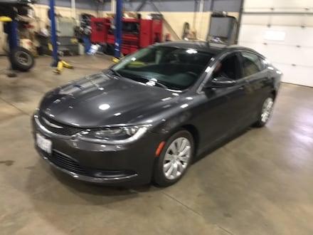 2016 Chrysler 200 Sedan