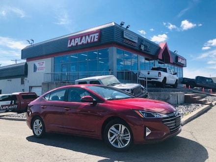 Featured used 2020 Hyundai Elantra Preferred/Heated Seats/Backup Camera/Bluetooth Sedan for sale in Embrun, ON