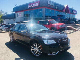 Used 2018 Chrysler 300 Limited/AWD/Panoramic Sunroof/Ventilated Seats Berline P19-66 in Embrun, ON