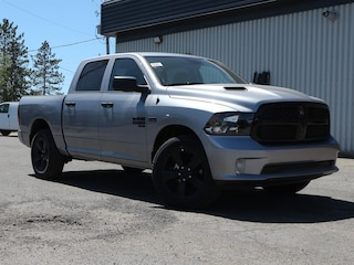 New 2020 Ram 1500 Classic Night Edition 4x4 Crew Cab 5.6 ft. box 140 in. WB 20095 in Embrun, ON