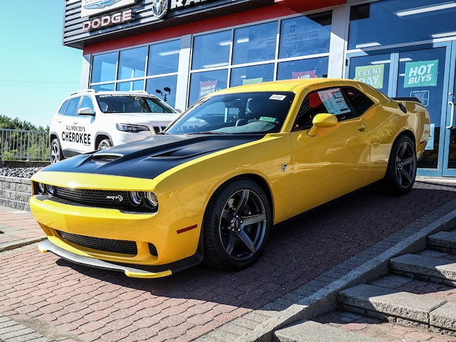 New 2018 Dodge Challenger SRT Hellcat Coupe 18217 in Embrun, ON