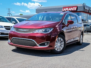 New 2019 Chrysler Pacifica Touring-L Van 19178 in Embrun, ON