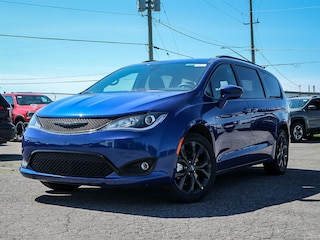 New 2019 Chrysler Pacifica Touring Plus Van 19202 in Embrun, ON