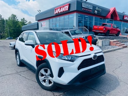 Featured used 2019 Toyota RAV4 LE/AWD/Heated Seats/Blindspot/Lane Assist SUV for sale in Embrun, ON