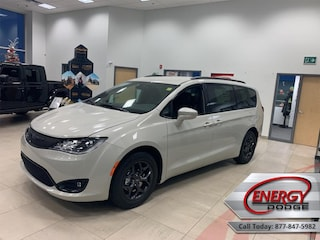 2020 Chrysler Pacifica Touring-L - Leather Seats SUV