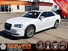 2017 Chrysler 300 LIMITED *AWD *CUIR/TOIT/NAV* Berline