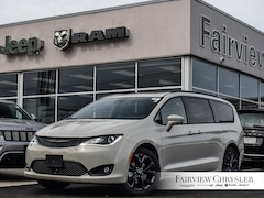 2020 Chrysler Pacifica Limited 35th Anniversary Edition Van l S APPEARANCE PKG l HARMAN/KARDON l