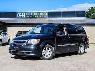 2011 Chrysler Town and Country touring Minivan