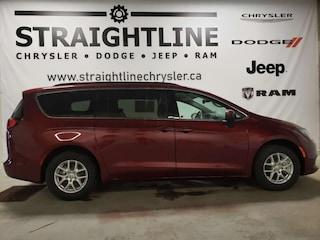 2017 Chrysler Pacifica LX-Dealer Driven, LOW KM, Uconnect, Minivan