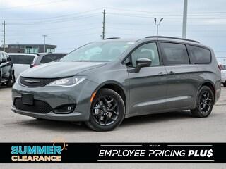 New 2020 Chrysler Pacifica Touring Van for sale near Toronto, ON