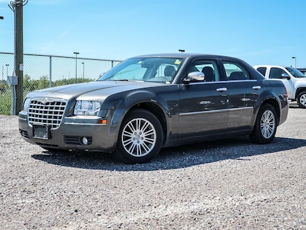 Used 2010 Chrysler 300 Tourin for sale in Oshawa, ON
