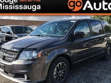 2017 Dodge Grand Caravan Blacktop+Power Doors+Parkview Rear Backup Camera + Minivan