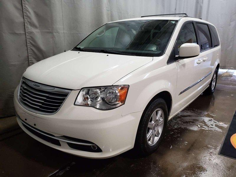 2012 Chrysler Town & Country Tour Minivan