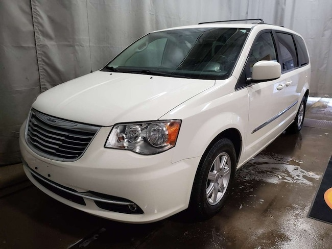 2012 Chrysler Town & Country Tour Minivan