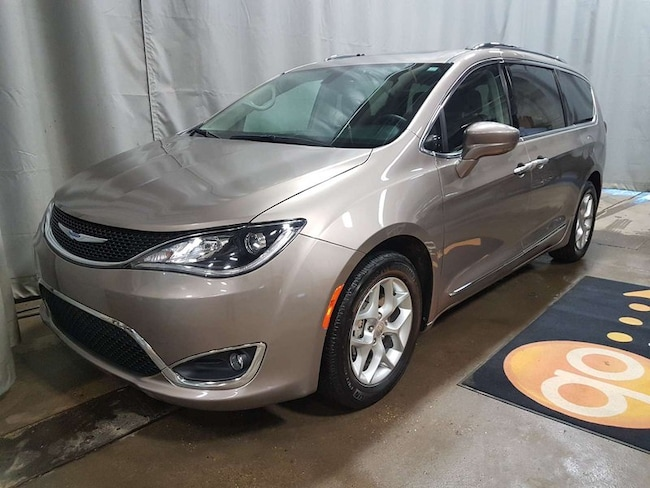 2018 Chrysler Pacifica Tourlp Minivan