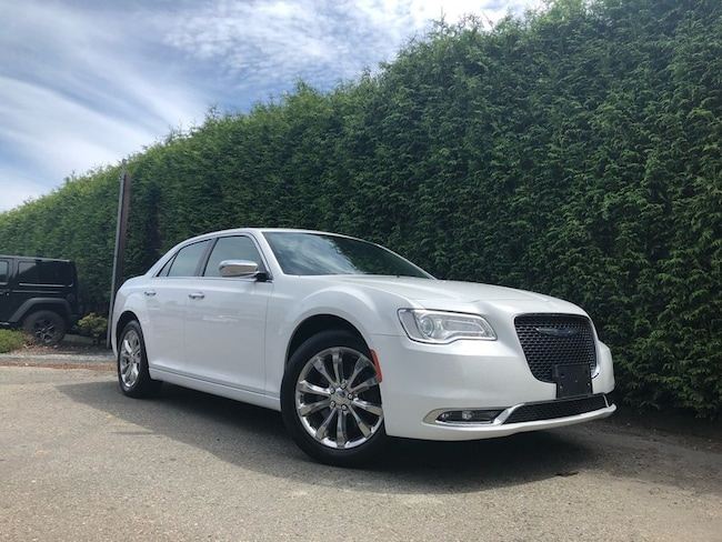 2018 Chrysler 300 300 Limited AWD + NAV + Dual-Pane Sunroof Sedan
