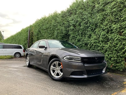 2019 Dodge Charger SXT 4dr RWD Sedan + Leather + Sunroof + Apple Carp Sedan