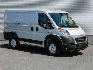 2020 Ram ProMaster 1500 Low Roof 118in-3Passagers Van Cargo Van
