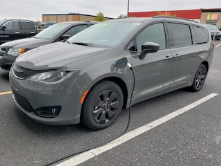 2020 Chrysler Pacifica Hybrid Touring-L - ALLURE SPORT Van