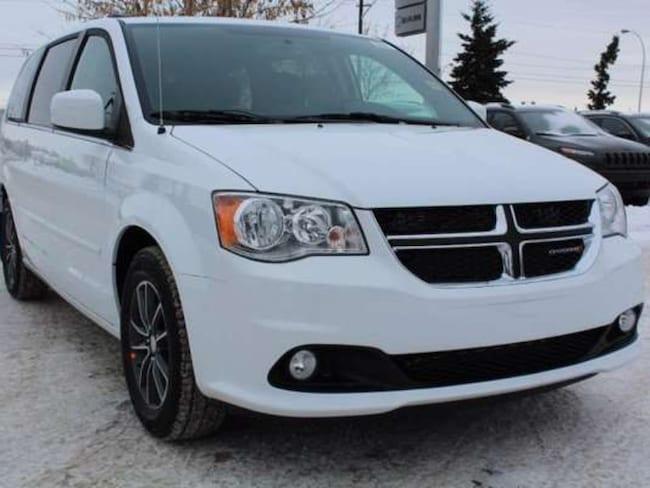 2017 Dodge Grand Caravan SXT Premium Plus; 3.6L V6 Engine, A/C W/ Climate C Minivan