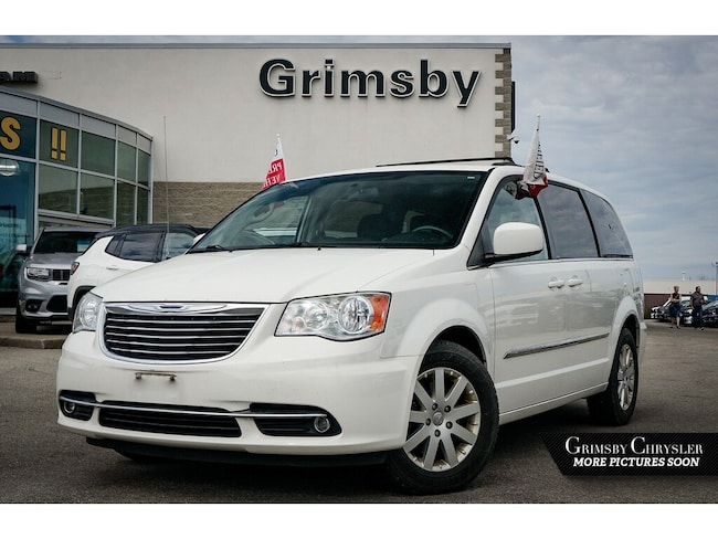 2013 Chrysler Town & Country Power Sliding Doors AND Liftgate Back UP Camera