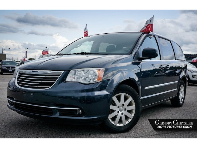 2014 Chrysler Town & Country Power Doors AND Liftgate Back UP Camera