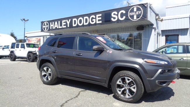 2015 Jeep Cherokee TRAILHAWK -- LOADED -- LEATHER -- 1 OWNER -- LOCAL SUV