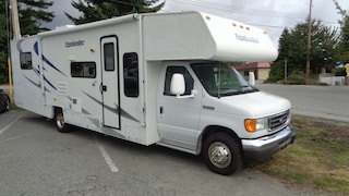 2008 FOREST RIVER FREELANDER AMAZING LAYOUT -- PERFECT FOR LONG TRIPS! Truck