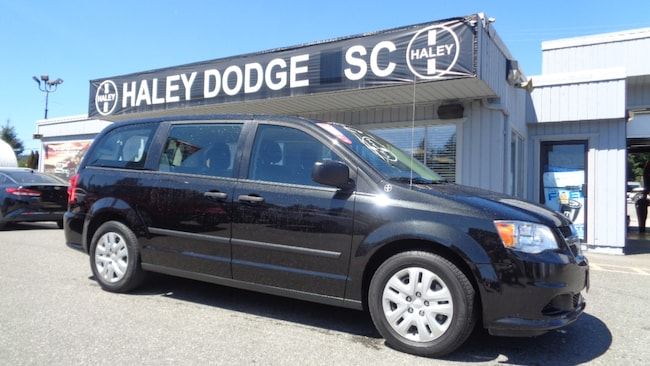 2016 Dodge Grand Caravan LOIW LOW KMS -- GREAT SHAPE -- LOCAL -- ONE OWNER Van