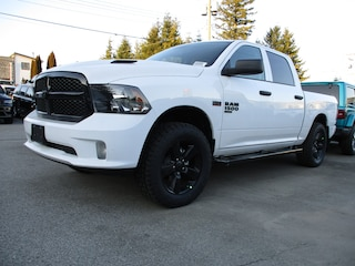 2020 Ram 1500 Classic LEVELING KIT -- BLACK RUNNING BOARDS -- 33