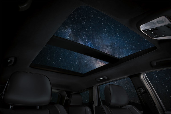 2020 Jeep Grand Cherokee Interior Feature Dual Pane Roof