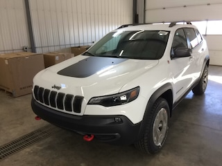 New 2020 Jeep Cherokee Trailhawk 4x4 in Hanna, AB