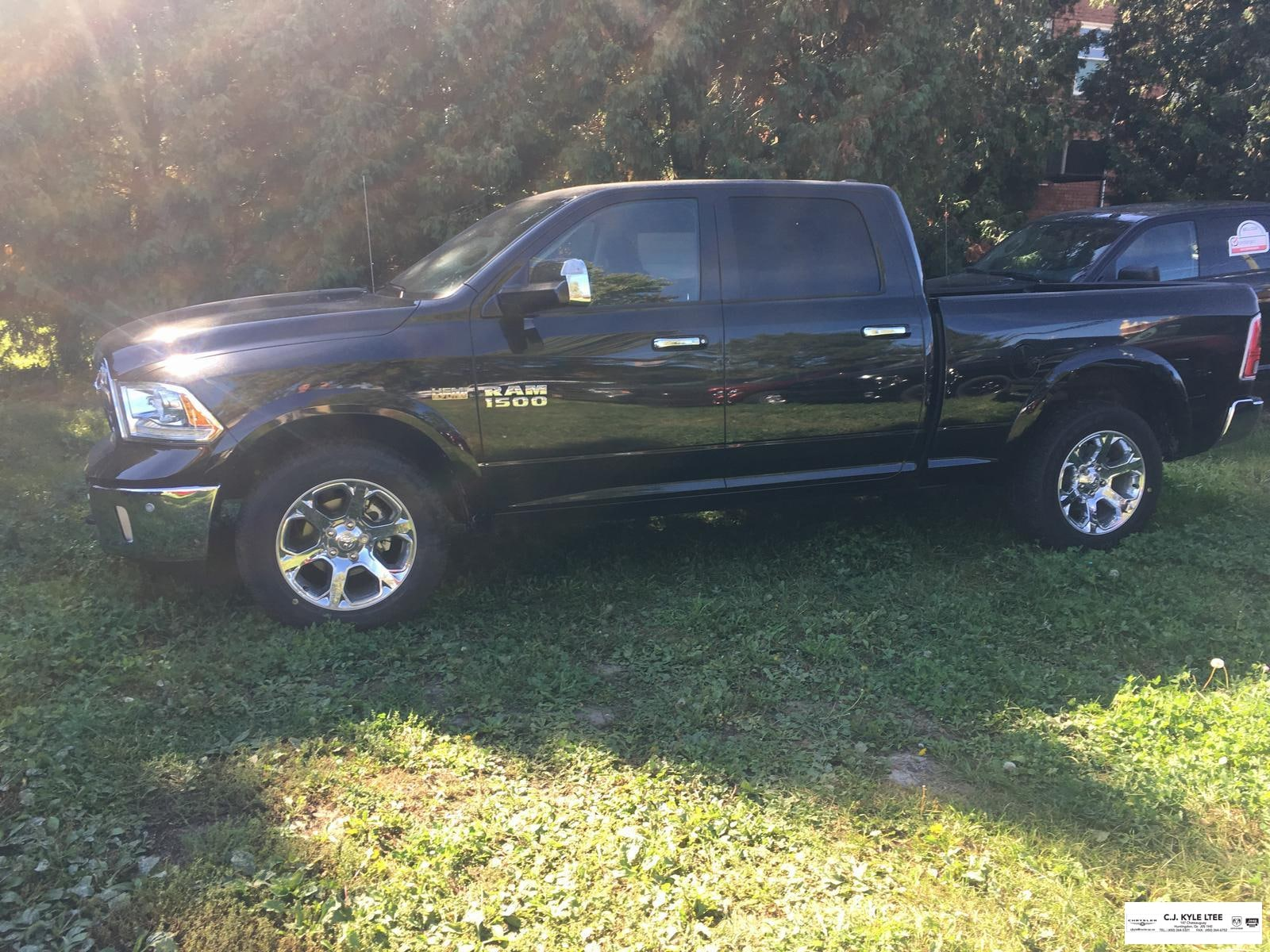2017 Ram 1500 Laramie 4X4 Fully Equipped Cabine double