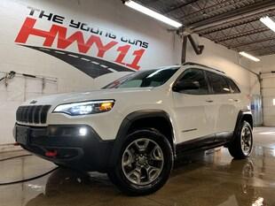 2019 Jeep Cherokee Trailhawk V6 4x4 - 8.4 w/ Carplay - LED Lighting SUV