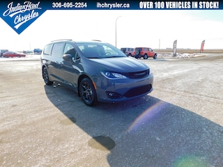 2020 Chrysler Pacifica Touring-L Plus   DVD   Leather   Cruise Control Van