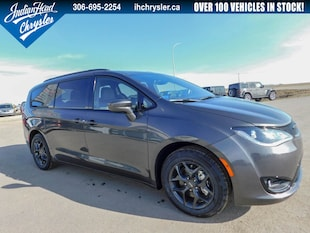 2019 Chrysler Pacifica Touring-L Plus | Sunroof | DVD | Bluetooth Van