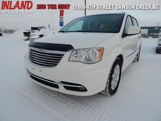 2013 Chrysler Town & Country Touring Rear Camera,Touchscreen,Sat Radio,AWD Van