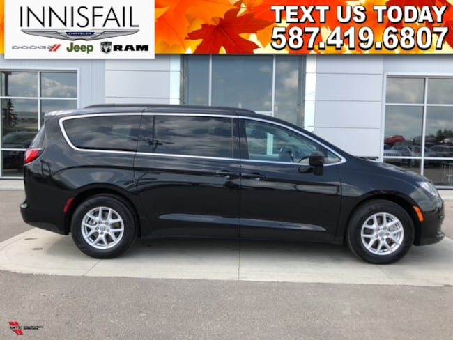 2017 Chrysler Pacifica LX! DEMO! VERY LOW KM'S! STOWnGO! CLEAN CARFX!