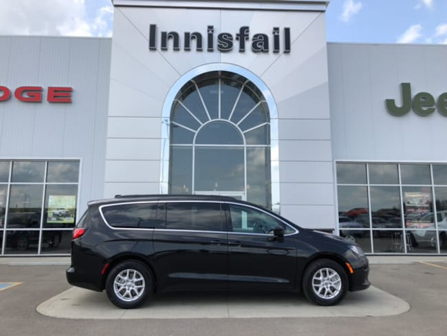 2017 Chrysler Pacifica LX DEMO Full Stow n Go Bluetooth Dual Climate Cont