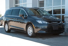 2019 Chrysler Pacifica Touring Van Passenger Van