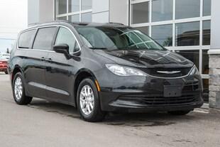 2019 Chrysler Pacifica Touring Van Passenger Van