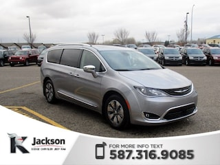 2018 Chrysler Pacifica Hybrid Limited Van