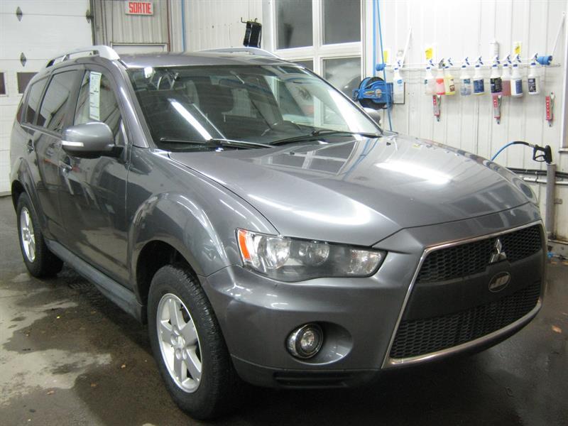 2010 Mitsubishi Outlander LS 4WD