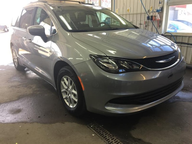 2018 Chrysler Pacifica LX Passager